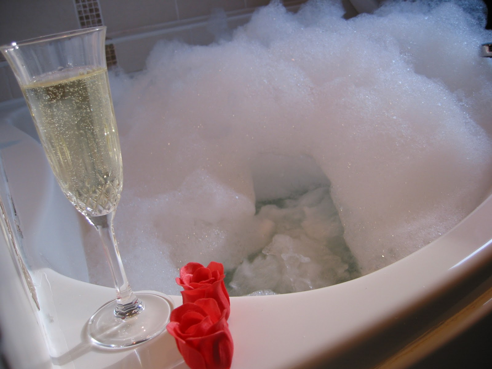E Se Ci Facessimo Il Bagno Nello Champagne